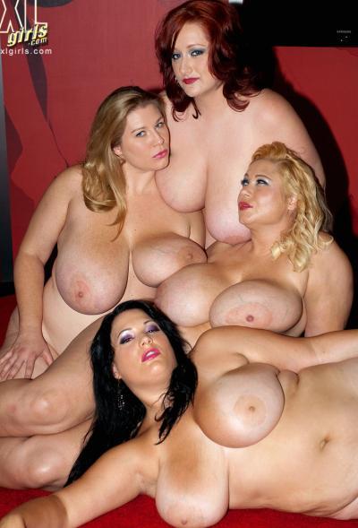 Четверо толстых подружек с огромными сиськами 15 фото