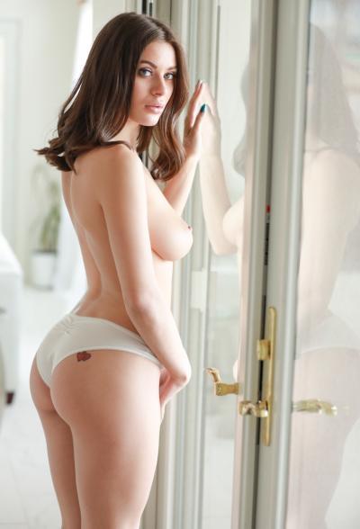 Красивая порнозвезда Lana Rhoades 8 фото