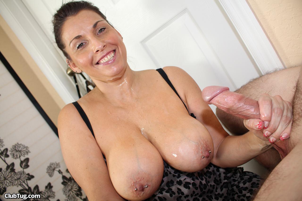 Mom huge tits porn