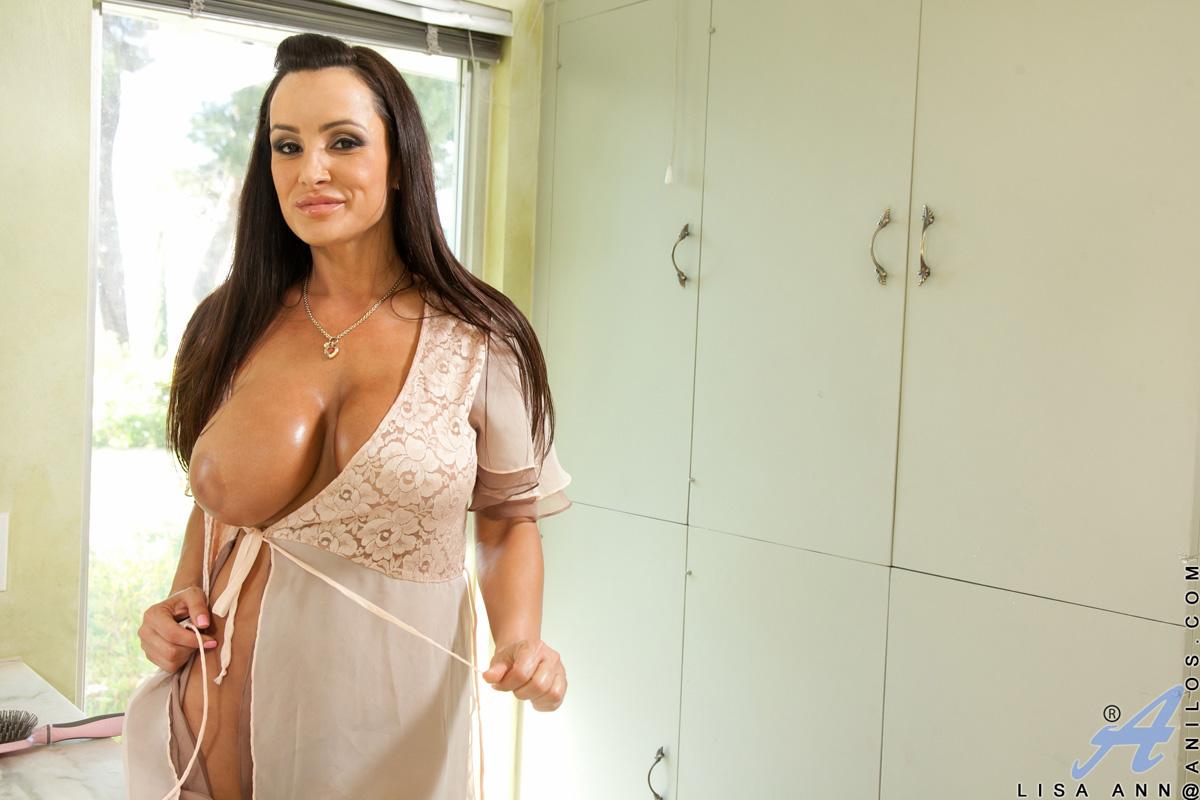 Slutty Busty Milf Anna Bailey Is Having Sex In The Morning