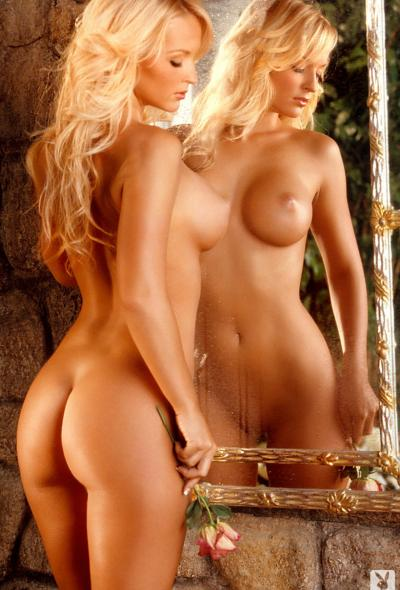 Красивая фигуристая блондинка (ретро) 10 фото