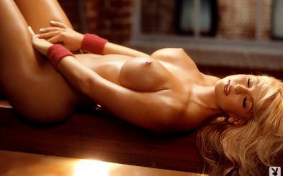 Красивая фигуристая блондинка (ретро) 9 фото