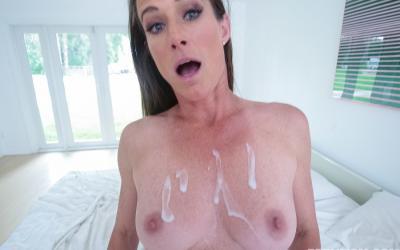 Кончил зрелой мамаше на грудь после секса 12 фото