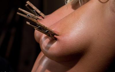 Насильно довел до оргазма пухлую блонду 13 фото