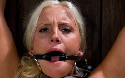 Насильно довел до оргазма пухлую блонду 6 фото