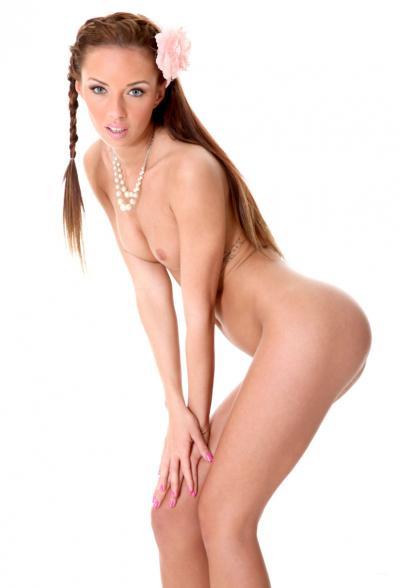 Привлекательная порномодель Gina Devine 9 фото