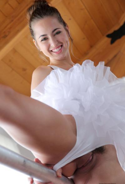 Жесткий секс с балериной Riley Reid 3 фото