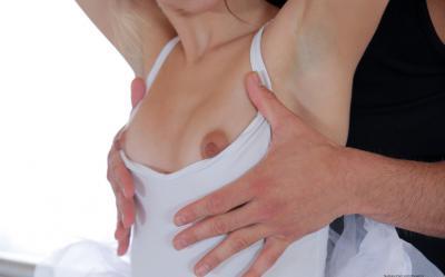 Жесткий секс с балериной Riley Reid 7 фото