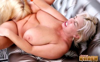 Толстые зрелые лесбиянки целуют интимные места 3 фото