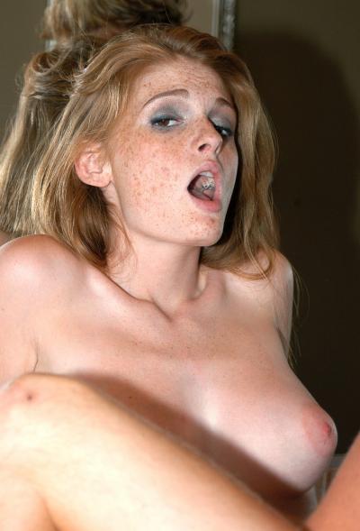 Кончил в рыжую девушку после секса в ванной 12 фото