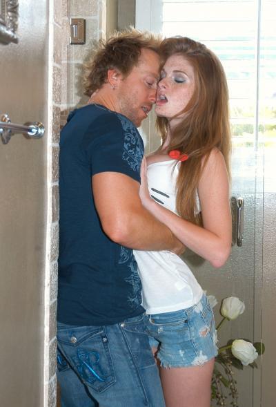 Кончил в рыжую девушку после секса в ванной 5 фото