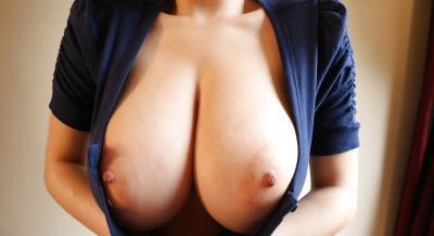 Рыжая порнозвезда в очках с большими сиськами 12 фото
