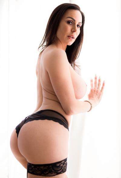Сексуальная зрелая дама в чулках Кендра Ласт 11 фото