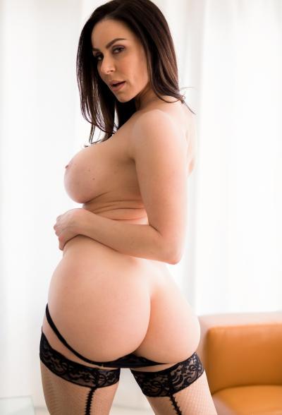 Сексуальная зрелая дама в чулках Кендра Ласт 12 фото