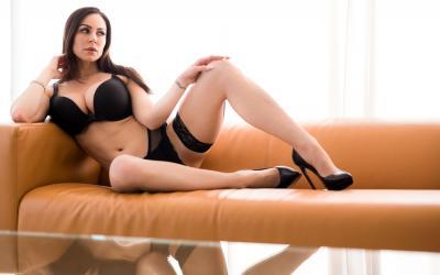 Сексуальная зрелая дама в чулках Кендра Ласт 3 фото