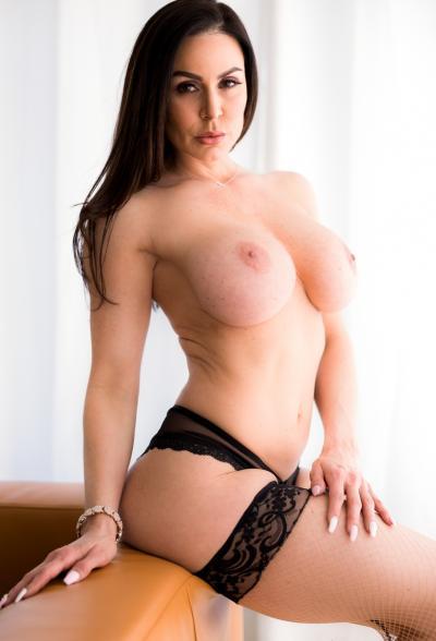 Сексуальная зрелая дама в чулках Кендра Ласт 8 фото