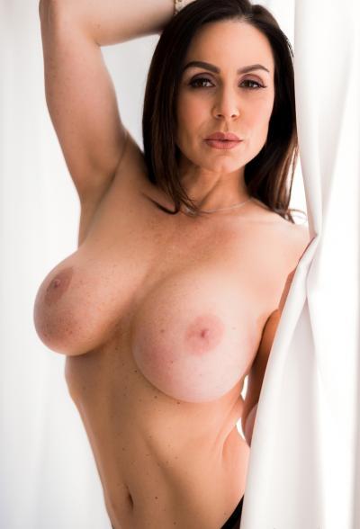 Сексуальная зрелая дама в чулках Кендра Ласт 9 фото