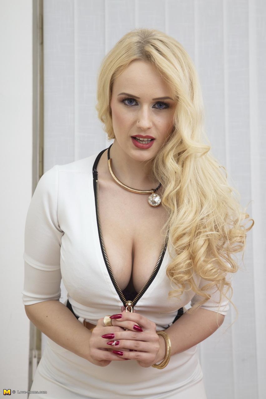 Порно Сисястая Маша